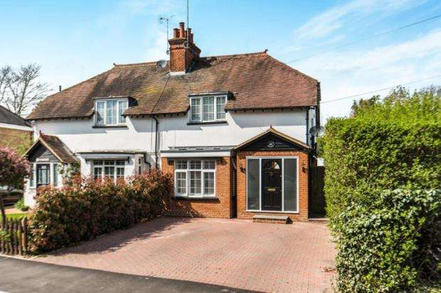 3 Bedrooms Semi Detached House for sale in Station Road, Stoke D'abernon, Cobham