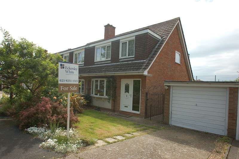 3 Bedrooms Semi Detached House for sale in Lennox Close, Alverstoke, Gosport