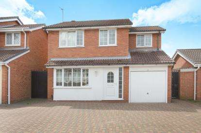 4 Bedrooms Detached House for sale in Marksbury Close, Dunstall, Wolverhampton, West Midlands