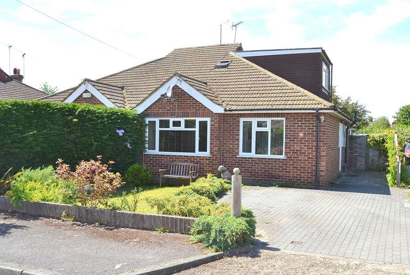 3 Bedrooms Bungalow for sale in Cobham