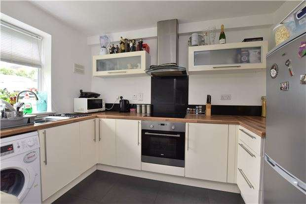 1 Bedroom Flat for sale in Park Hill, SM5 3RS
