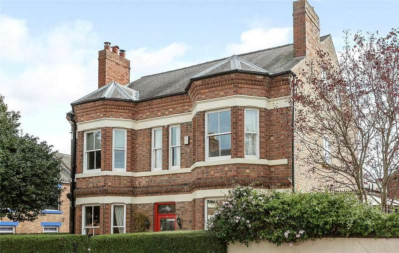 5 Bedrooms Detached House for sale in High Street, Ruddington, Nottingham, NG11