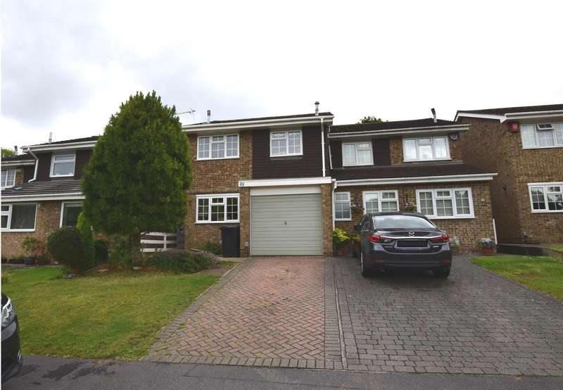3 Bedrooms Semi Detached House for sale in Morningtons, Harlow, CM19