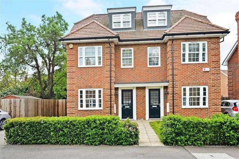 4 Bedrooms Semi Detached House for sale in Century Way, Beckenham, Kent, BR3