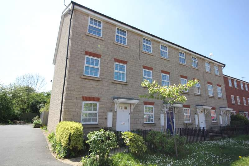 4 Bedrooms End Of Terrace House for sale in Middle Meadow, Shireoaks, S81