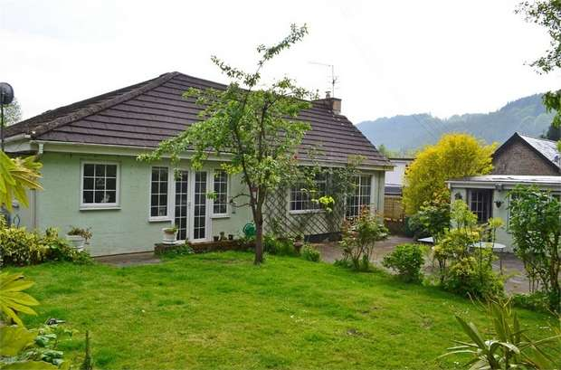 3 Bedrooms Detached Bungalow for sale in Church Lane, Nantgarw, Cardiff, Mid Glamorgan