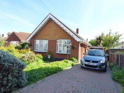 2 Bedrooms Bungalow for sale in Gosport, Hampshire