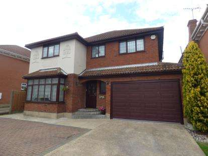 4 Bedrooms Detached House for sale in Benfleet, Essex, Uk