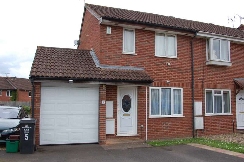 3 Bedrooms Semi Detached House for sale in Rhodes Close, Taunton
