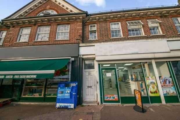 3 Bedrooms Flat for sale in Bromley Road, Bromley, Kent, BR1 4PH