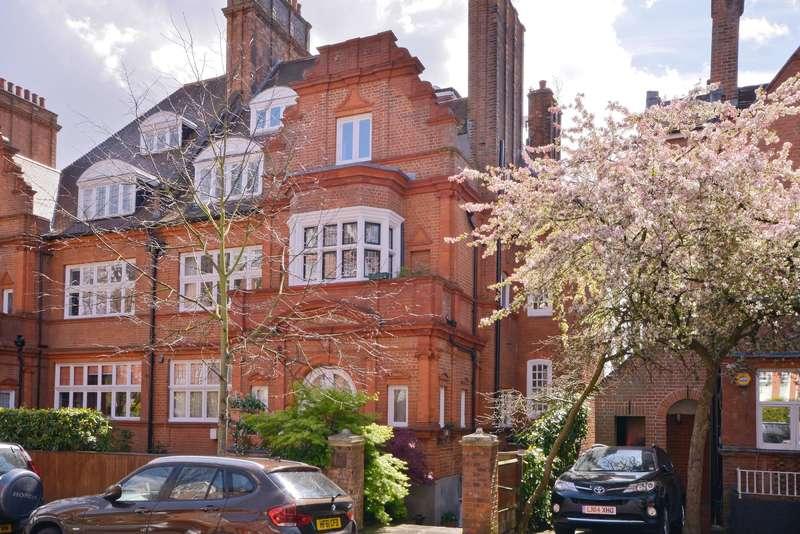 3 Bedrooms Flat for sale in Wedderburn Road, Hampstead
