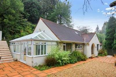 5 Bedrooms House for rent in 5 BED HOUSE - REDHILL!
