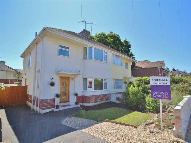 3 Bedrooms Semi Detached House for sale in Jolliffe Road, Oakdale, POOLE, Dorset