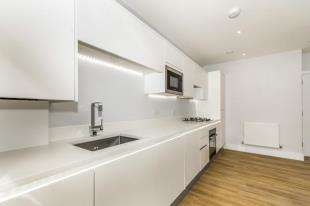 2 Bedrooms Flat for sale in The Avenue, Croydon