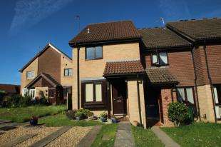 1 Bedroom End Of Terrace House for sale in Guinevere Road, Ifield, Crawley, West Sussex