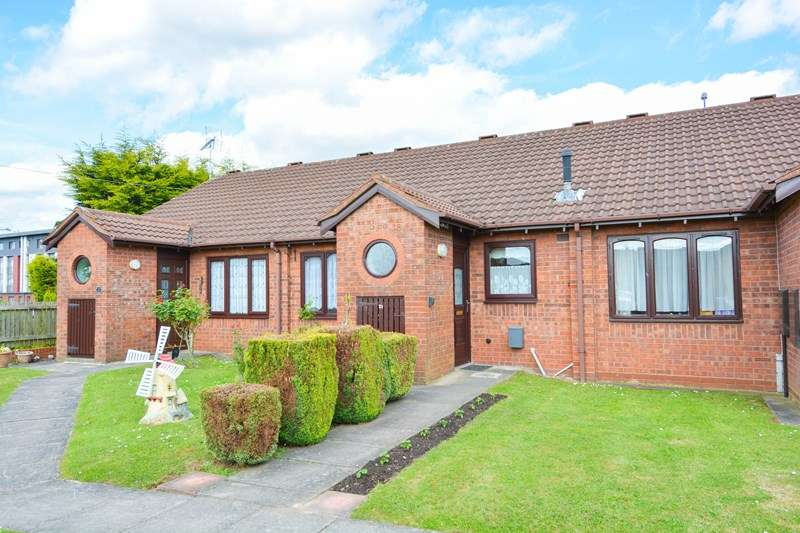 2 Bedrooms Bungalow for sale in Millpool Way, Smethwick