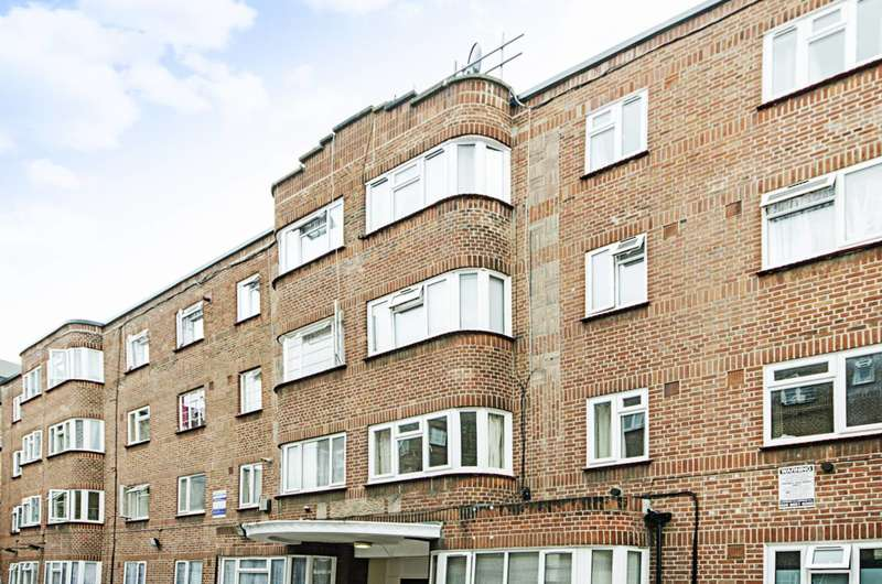 2 Bedrooms Flat for sale in Lea Bridge Road, Leyton, E10