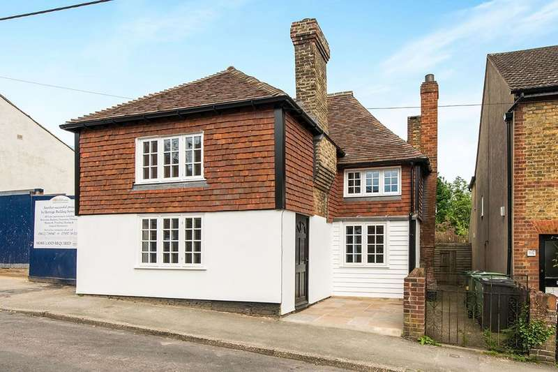 3 Bedrooms Detached House for sale in The Street, Detling, Maidstone, ME14