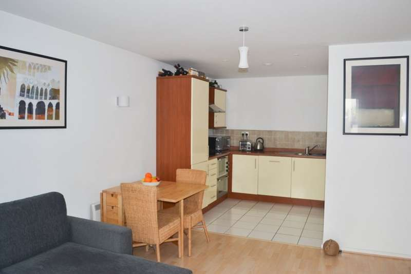 2 Bedrooms Apartment Flat for sale in Augusta House