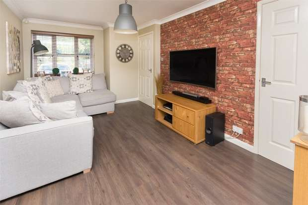 2 Bedrooms Terraced House for sale in Foss Court, Off Huntington Road, YORK