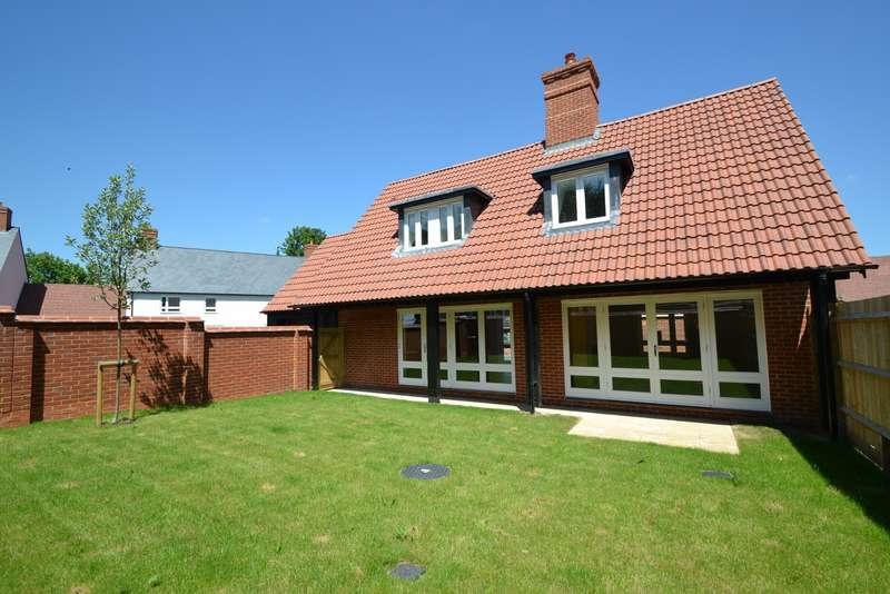 3 Bedrooms Detached House for sale in Charlton Marshall