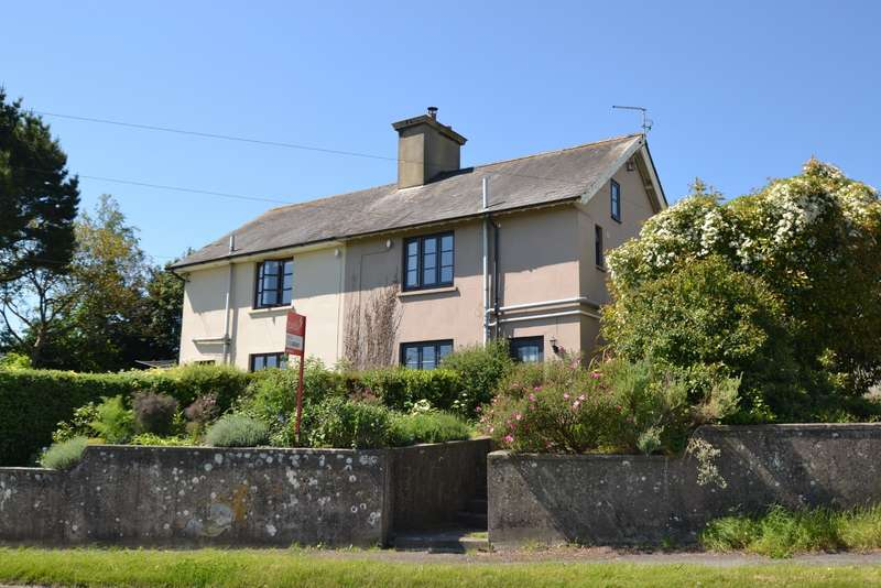 3 Bedrooms Semi Detached House for sale in Durweston