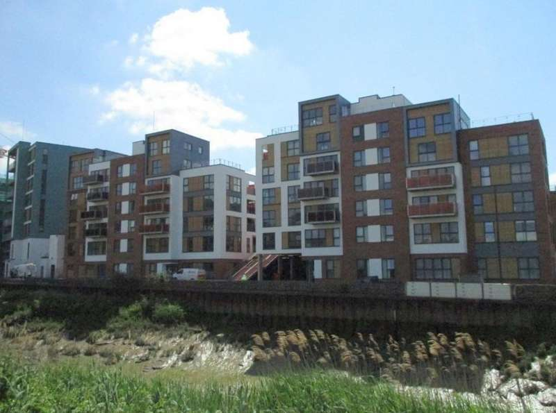 2 Bedrooms Apartment Flat for rent in Arnos Vale, Paintworks, BS4 3AW