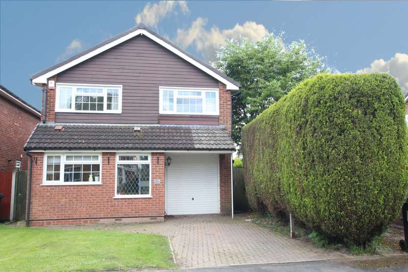 4 Bedrooms Detached House for sale in Guys Cliffe Avenue, Walmley, B76 2QE