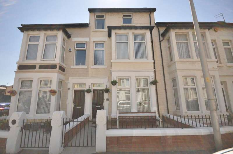 6 Bedrooms Terraced House for sale in Crystal Road, Blackpool, Lancashire, FY1 6BS