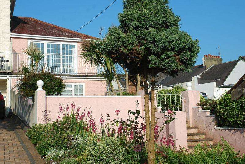 2 Bedrooms Semi Detached House for sale in Hilly Gardens Road, Torquay