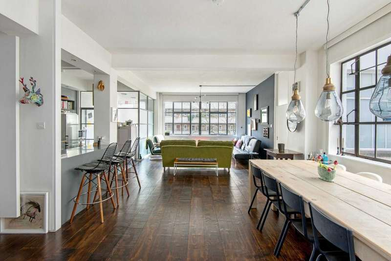 2 Bedrooms Apartment Flat for sale in St John Street, EC1V