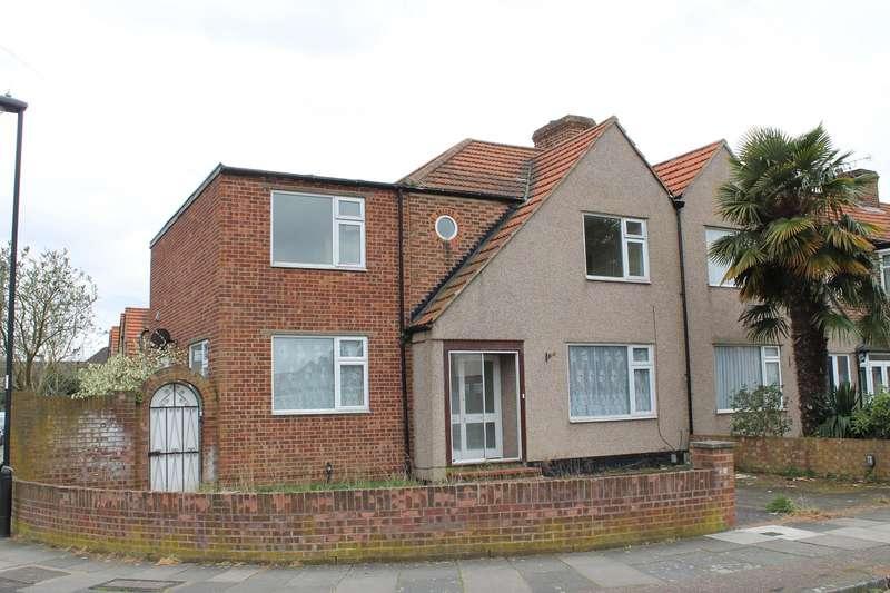 4 Bedrooms Property for sale in Swan Way, Enfield, EN3