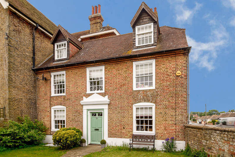 5 Bedrooms Semi Detached House for sale in Bromstone Road, Broadstairs, Broadstairs