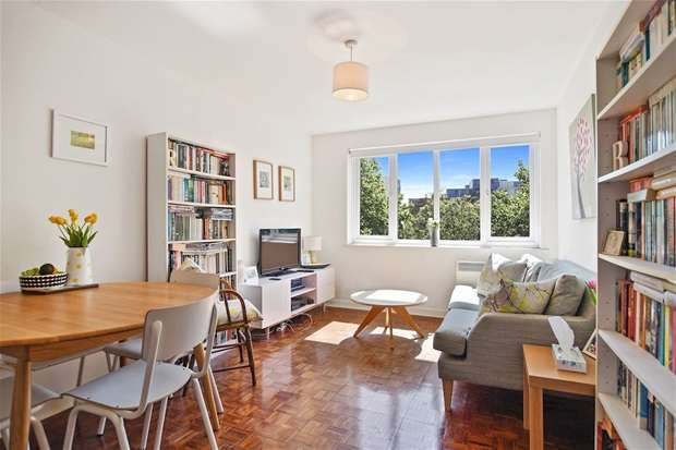 1 Bedroom Flat for sale in Pages Walk, Bermondsey