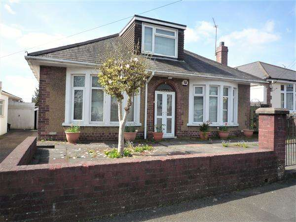 3 Bedrooms Bungalow for sale in Yorath Road, Whitchurch, Cardiff
