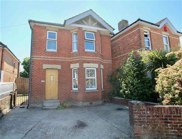 3 Bedrooms Detached House for sale in Malvern Road, Bournemouth
