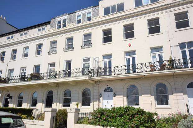 2 Bedrooms Apartment Flat for sale in Esplanade, Scarborough, North Yorkshire YO11 2AF