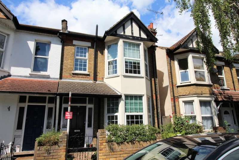 3 Bedrooms Terraced House for sale in St. Marys Road, Southend-on-Sea