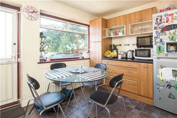 2 Bedrooms Terraced House for sale in Dale Avenue, EDGWARE, Greater London, HA8 6AB