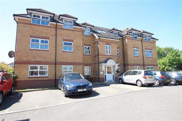 2 Bedrooms Apartment Flat for sale in Sydenham Gardens, Chalvey Grove, Slough