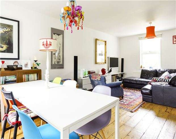 3 Bedrooms Terraced House for sale in 21 Hampton View, BATH, Somerset, BA1 6JL