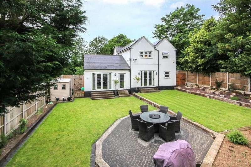 4 Bedrooms Detached House for sale in Ellenbrook Lane, Hatfield, Hertfordshire