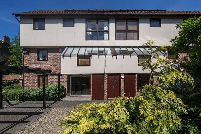 2 Bedrooms Apartment Flat for sale in Peppercorn Court, Newcastle upon Tyne, NE1