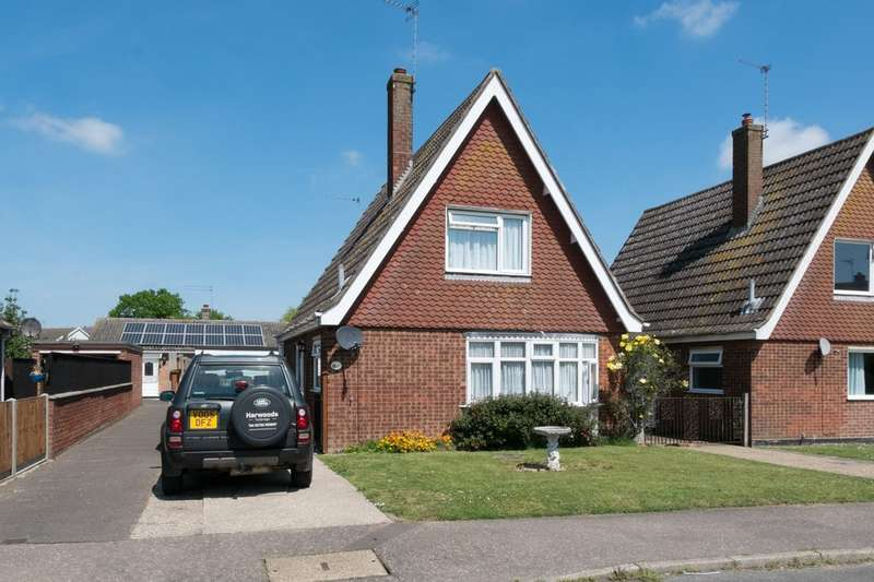3 Bedrooms Detached House for sale in Rowan Road, Martham