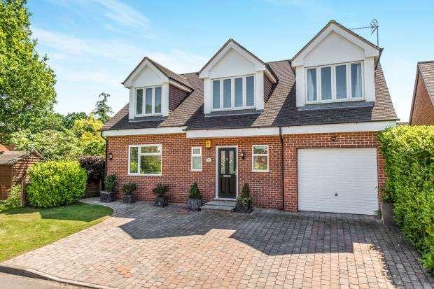 4 Bedrooms Detached House for sale in Woking, Surrey
