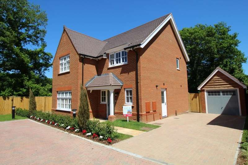 4 Bedrooms Detached House for sale in Lancaster Close, Hamstreet, Ashford, TN26