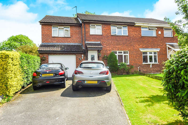 4 Bedrooms Semi Detached House for sale in Castle Fields, Leicester, LE4