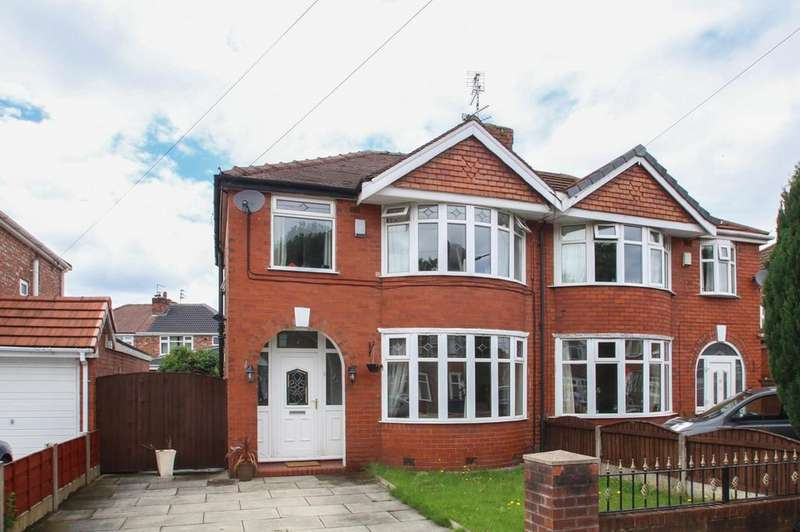3 Bedrooms Semi Detached House for sale in Pangbourne Avenue, Davyhulme, Manchester, M41