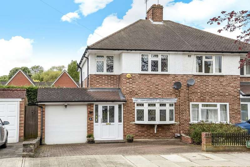3 Bedrooms Semi Detached House for sale in Bassetts Close Orpington BR6