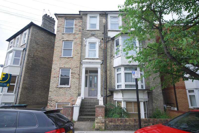1 Bedroom Flat for sale in Canning Crescent, Wood Green, London